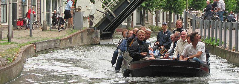 varen via de Reeuwijkse plassen en zo door naar Gouda