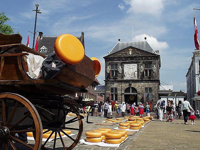 Een leuke tocht vanuit de accommodatie is een bezoek aan Gouda en haar kaasmarkt
