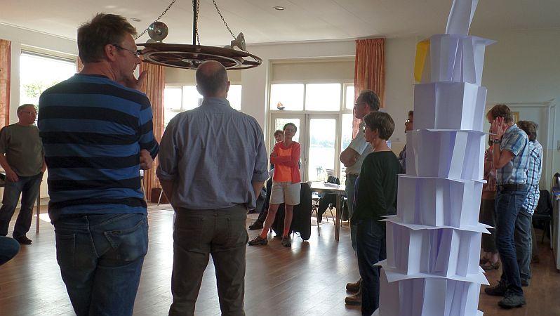 Vergaderen in Reeuwijk vlakbij Gouda